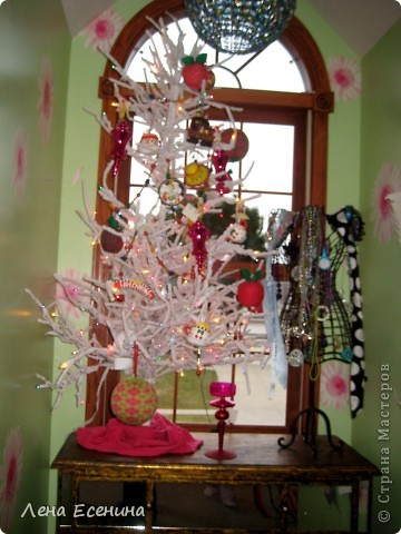 """Хочу рассказать о том, как оформляют дома на Рождество в Америке... Мне уже пора открывать серию """"Как это в США..."""" :)) Это украшен кухонный стол. фото 13"""