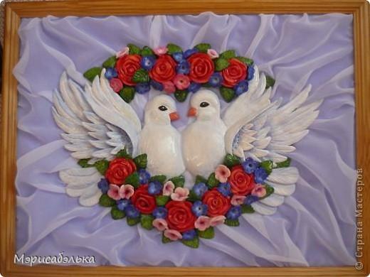 """Всем привет!!!!Вот такие влюбленные голуби у меня получились.Слепила их давно ,вместе с предыдущей работой,все никак не могла раскрасить.И вот наконец руки """"дошли""""(спасибо дождливой погоде))))! фото 1"""