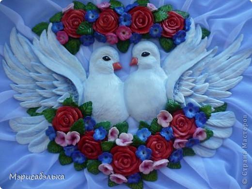 """Всем привет!!!!Вот такие влюбленные голуби у меня получились.Слепила их давно ,вместе с предыдущей работой,все никак не могла раскрасить.И вот наконец руки """"дошли""""(спасибо дождливой погоде))))! фото 2"""