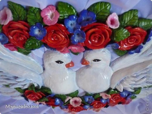 """Всем привет!!!!Вот такие влюбленные голуби у меня получились.Слепила их давно ,вместе с предыдущей работой,все никак не могла раскрасить.И вот наконец руки """"дошли""""(спасибо дождливой погоде))))! фото 3"""