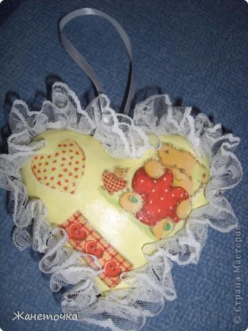 Благодаря Настиной бабушки, которая поделилась секретом изготовления такого сердечка, я захотела сделать свое сердечко для своей мамочки! http://stranamasterov.ru/node/155082 фото 2