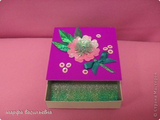 На работу меня вдохновила Енюша,У нее замечательные коробочки.Вот сделала на скорую руку.Тем более попросила знакомая для своей племянницы на день рождения. фото 4