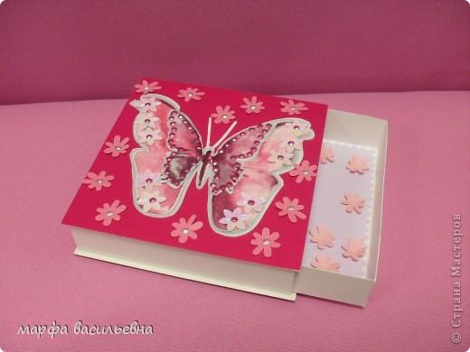 На работу меня вдохновила Енюша,У нее замечательные коробочки.Вот сделала на скорую руку.Тем более попросила знакомая для своей племянницы на день рождения. фото 2