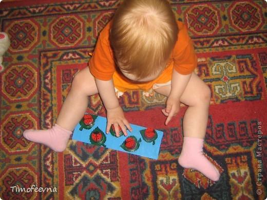 Здравствуйте, дорогие жители Страны Мастеров! Этот блог посвящён нескольким игрушкам-развлекушкам моих деток, которые можно сделать своими руками. Они не сказать, чтобы прям очень развивающие, но увлечь малыша на несколько минут способны. фото 2