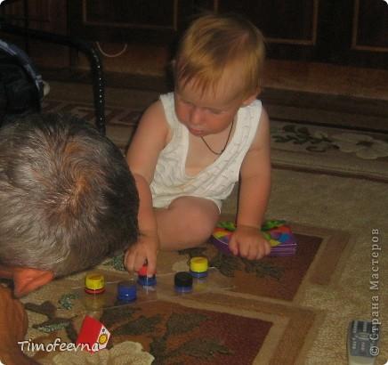 Здравствуйте, дорогие жители Страны Мастеров! Этот блог посвящён нескольким игрушкам-развлекушкам моих деток, которые можно сделать своими руками. Они не сказать, чтобы прям очень развивающие, но увлечь малыша на несколько минут способны. фото 3