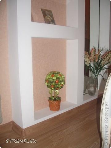 Моя свекровь, будучи у меня в гостях, увидела мое первое атласно-апельсиновое дерево http://stranamasterov.ru/node/164804 - захотела себе такое же на день рождения!!! Вот оно и получилось! Сделала я его еще к 7 апреля, а вот только выставила... фото 10