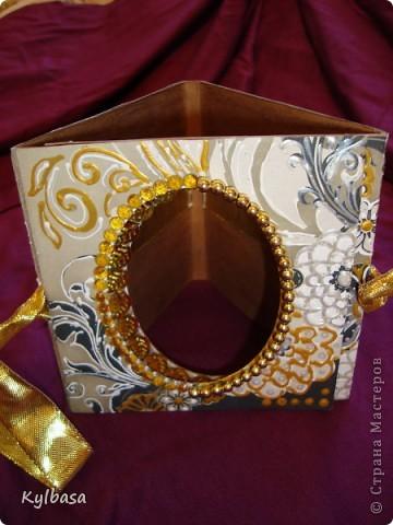 Воплотилась у меня одна давняя задумка - совместить золото с серебром и черное с белым в одном изделии. Долго ждала своего часа картонная основа для фоторамки, и вот дождалась.  фото 5