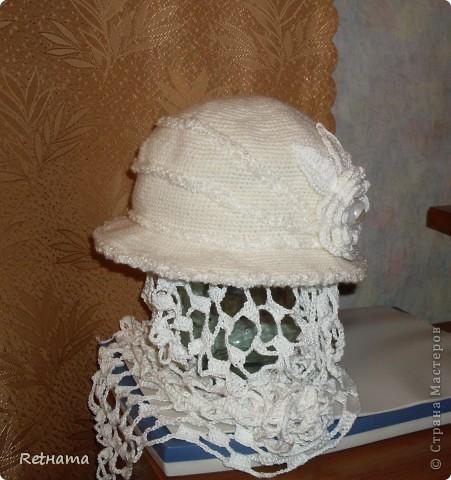 в дополнении  к шляпке связала,позднее, и шарфик,  подсмотрев  схему на китайских  сайтах