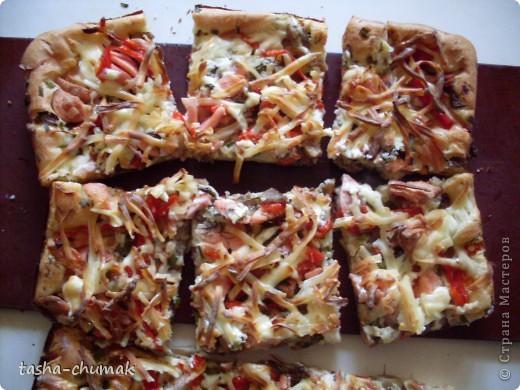 В нашей Стране Мастеров, пица становится любимым блюдом. Не удержалась- показываю свою. фото 7