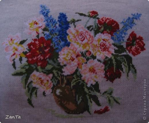 Голубая, лиловая, синяя, белая Расцвела нынче в мае сирень.  Я хожу и любуюсь, как ошалелая На цветущие кисти весь день.... фото 5