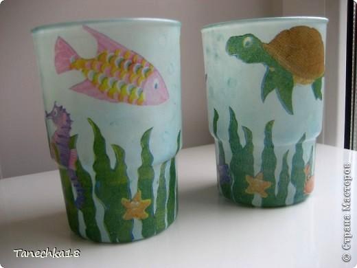 Были они невзрачными полуматовыми стаканчиками. И так мне их жалко стало, что решила поселись в них рыбок, черепашек и прочих морских обитателей!:)) фото 1