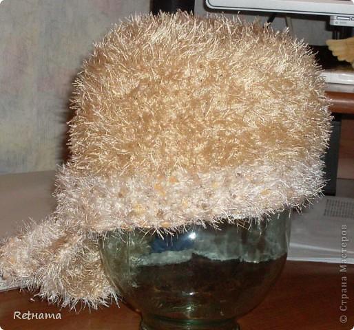 любимая  травка  согревала   зимой, бандана  без подклада, при  сильном  ветре  выручал  капюшон
