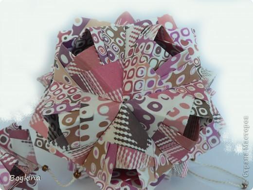 Всем, привет! Наконец решила сделать долгожеланный сонобик с дырочками. Не знаю как правильно называется. Бумаги было больше чем нужно и в результате он с детёнышами.  фото 3