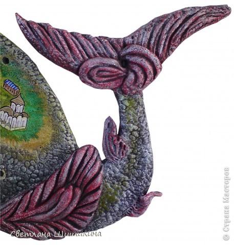 Лепила по рисунку Художника Макса Ларина. В его рисунки невозможно не влюбиться!!! Мой кит, конечно же, с авторским не сравниться... Но что получилось Вам судить... Ширина 35 см., высота 20 см.  фото 4