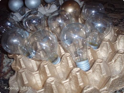 Вот  такой подарок  получился из  обычных  лампочек фото 3