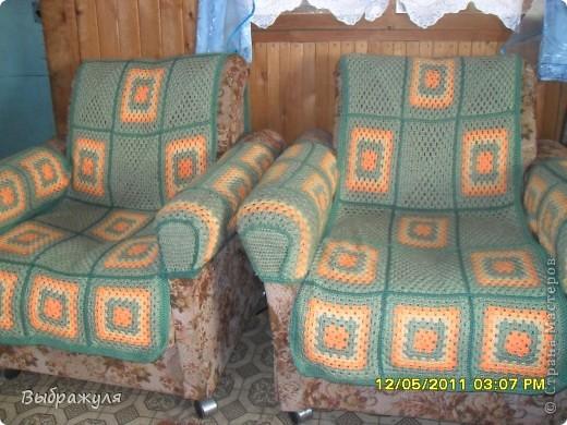 Этот плед связала для внучкиной кроватки на дачу. Правда ещё не увезла( кисти не доделала с одной стороны) фото 7
