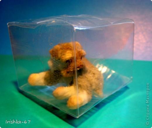 Такая коробочка (высота 5см) подойдёт для упаковки небольших подарков, сувениров. Многие варят мыло у нас, так вот сюда хорошо входит кусочек. А главное всё видно, а украсить можно уже на свой вкус и перевязать ленточкой, тесёмочкой. фото 2
