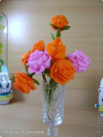 """13 мая были подведены итоги конкурса """"Моя семья-моё богатство"""". http://bala-zan.kz/index.php?id=1&ids=10001 На конкурс было представлено около 900 работ. 36 стали дипломантами и мы в том числе http://bala-zan.kz/index.php?id=2&ids=1034&lev_menu=& Сказать, что нам было приятно, не сказать ничего. А ещё в этот день у бабушки день рождения. Вот такой подарок. Мы участвовали в номинации """"Символ семьи"""". Вот такую работу представили в электронном варианте, как объяснение почему символом нашей семьи мы назвали солнце. фото 29"""