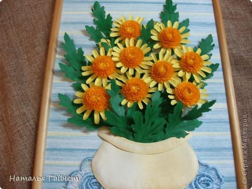 Букет желтых хризантем.Прекрасные солнечные цветы! Во время изготовления панно изучила рисование ваз и горшков и чуточку - живопись пастелью.А также просмотрела множество фотографий хризантем.Они такие замечательные.И рассматривала работы наших талантливых мастериц - вдохновлялась и впитывала.Вот что получилось.  фото 4