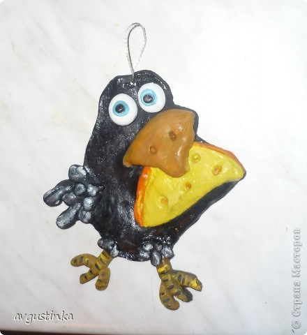 Вот такая у меня получилась ворона.Кто заглянет,обязательно угостим сырком! Она не жадная!