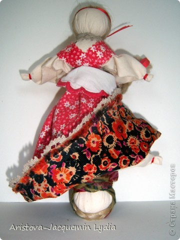 Мой вариант девки-бабы.  Мастер класс Вы найдете здесь http://www.rukukla.ru/article/trya/2011-03-09-1 и очень толковый МК у Зои Пинигиной здесь http://pinigina.livejournal.com/47737.html фото 3