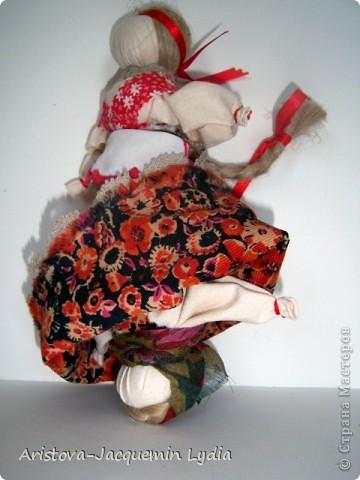 Мой вариант девки-бабы.  Мастер класс Вы найдете здесь http://www.rukukla.ru/article/trya/2011-03-09-1 и очень толковый МК у Зои Пинигиной здесь http://pinigina.livejournal.com/47737.html фото 4