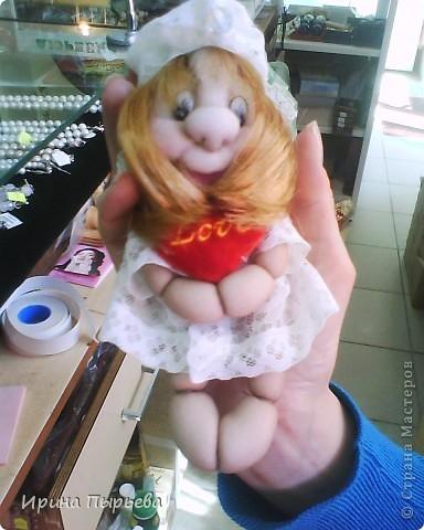 Была сделана в подарок Татьяне-сидит у хозяйки в руке фото 1