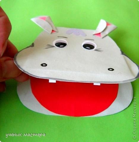 Эти забавные игрушки появились как продолжение темы    http://ejka.ru/blog/podelki/895.html. Сделав с детками щенка, мы решили пойти дальше и придумали коровку и лягушку.  фото 17