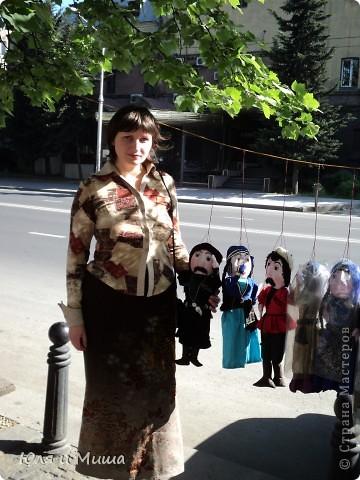 Продолжаем бродить по бульвару Тбилиси с выставкой-продажей всевозможных рукоделий. Сегодня предлагаю порассматривать кукол!   фото 4