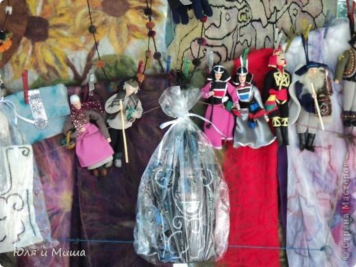 Продолжаем бродить по бульвару Тбилиси с выставкой-продажей всевозможных рукоделий. Сегодня предлагаю порассматривать кукол!   фото 10