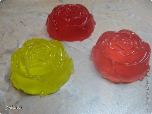 Розочки с маслом виноградных косточек, миндальным маслом и цветочным ароматом. фото 1