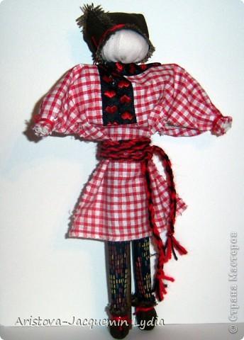 Симеон Столпник /Симеон-Летопроводец, Ромеол-Столпник/ обрядовая кукла - символ бесконечности жизни, мужского начала, без которого женское – слабо и бесплодно. Позже появилась традиция дарить этот оберег - куклу Симеон Столпник - мужчинам, чтобы их силы никогда не иссякали. Более полную информацию об этой кукле Вы можете получить здесь  http://www.rukukla.ru/article/trya/cimeon_ctolpnik.htm фото 12