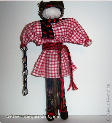 Симеон Столпник /Симеон-Летопроводец, Ромеол-Столпник/ обрядовая кукла - символ бесконечности жизни, мужского начала, без которого женское – слабо и бесплодно. Позже появилась традиция дарить этот оберег - куклу Симеон Столпник - мужчинам, чтобы их силы никогда не иссякали. Более полную информацию об этой кукле Вы можете получить здесь  http://www.rukukla.ru/article/trya/cimeon_ctolpnik.htm фото 14
