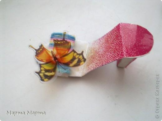 Скоро лето... Хочется чего-то веселого и летнего!Вот сделала такие радужные туфельки. фото 2
