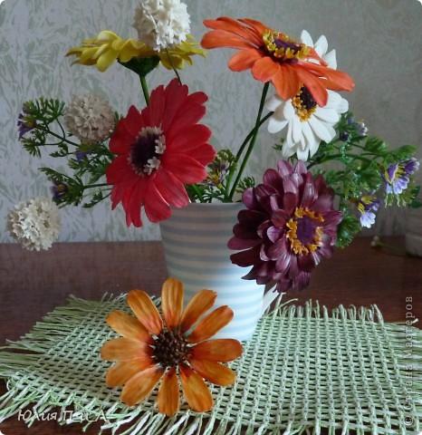 Вариации, потому что делала цветы по памяти, а когда обратилась к первоисточнику обнаружила кучу несоответствий))) Но т.к.я не стремлюсь пока к полной передаче природности, думаю и такой вариант имеет место быть. фото 7