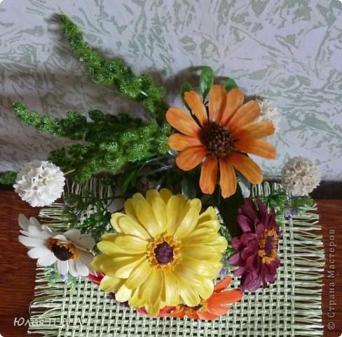 Вариации, потому что делала цветы по памяти, а когда обратилась к первоисточнику обнаружила кучу несоответствий))) Но т.к.я не стремлюсь пока к полной передаче природности, думаю и такой вариант имеет место быть. фото 9