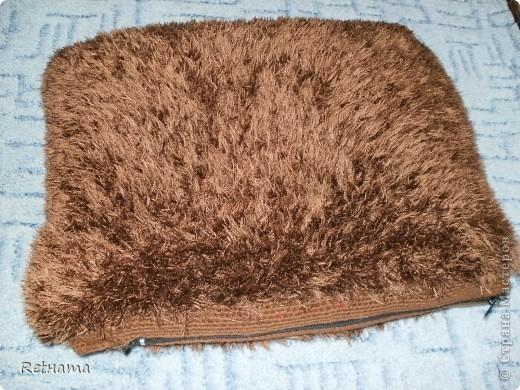 превращенная  с помощью спиц в подушечку на диван. Внутри подушечка  из Икеи. фото 2