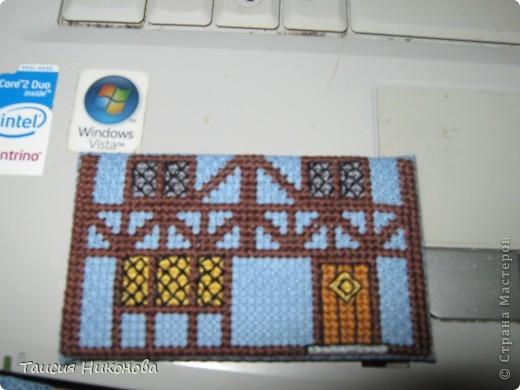 объемный домик - готовый вид. правда, крышу скорее всего буду переделывать (сидит корявенько, и с цветом получается ерунда) фото 3