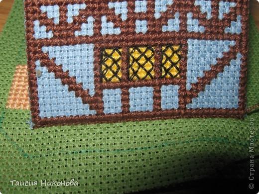 объемный домик - готовый вид. правда, крышу скорее всего буду переделывать (сидит корявенько, и с цветом получается ерунда) фото 7