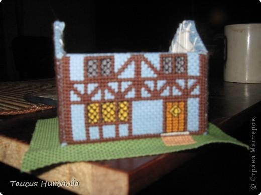 объемный домик - готовый вид. правда, крышу скорее всего буду переделывать (сидит корявенько, и с цветом получается ерунда) фото 9