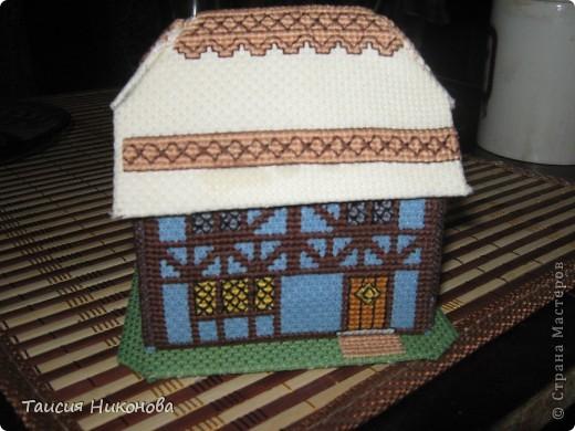 Домик - объемная вышивка