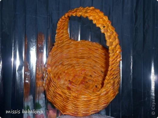 Какого цвета тут только нет, наносила сухой губкой поверх оранжевого и бежевый, и алый. фото 2