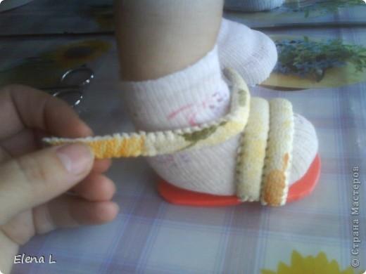 очень легкие туфельки - босоножки для куклы фото 9