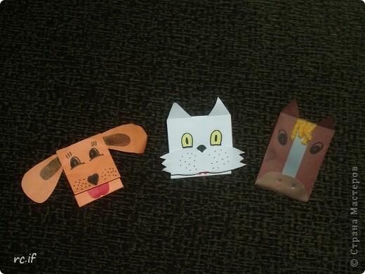 Очень понравилась идея Светланы (Ученик мастера) по созданию игрушек из бумаги. Уже в ночи по-быстрому сделала дочке собачку. Утром подарила, дочка была в восторге! И сразу засыпала меня заказами. Так у нас появились котенок и лошадка! Идей еще много, осталось только найти время :) http://stranamasterov.ru/node/194908#comment-1681602 http://ejka.ru/blog/podelki/895.html  фото 1