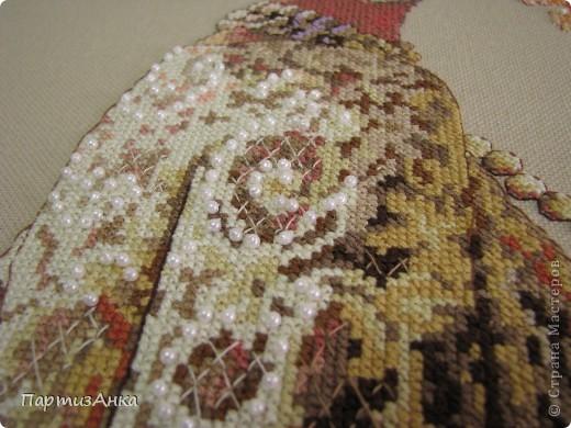 Год начался с оберега от Млодецкой , вышитом для сестрёнки. Первая вышивка меланжевыми нитками - мне понравилось! Схема была мной изменена - убрала ангелов и дополнила геометрический рисунок. фото 7