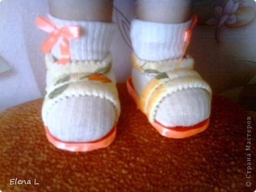 очень легкие туфельки - босоножки для куклы фото 1
