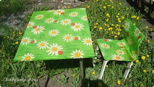 Очень хотелось обновить стол со стульчиком для Анюты. фото 1