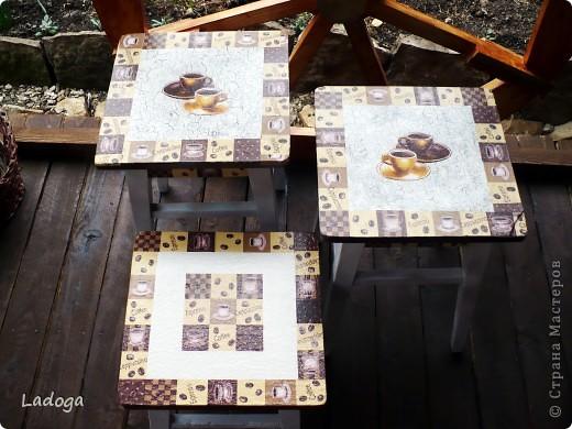 это конечный результат декора. сначала делала только стол, но в процессе поняла, что ему будет скучновато одному.....  фото 2