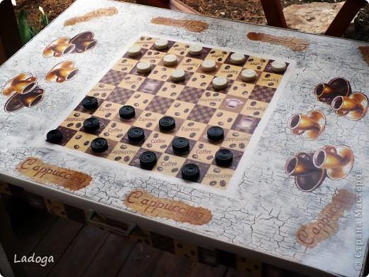 это конечный результат декора. сначала делала только стол, но в процессе поняла, что ему будет скучновато одному.....  фото 3