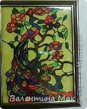 В Стране Мастеров встретила такую работу http://stranamasterov.ru/node/186960?c=favorite, очень понравилась техника,спасибо автору.  Стали использовать вместо витража, работы получаются просто замечательные!!!А вместо фона цветная гофрированная бумага или упаковочная голографическая фольга. фото 2